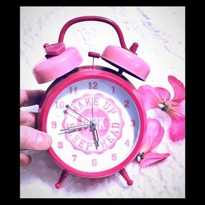 VS PINK ALARM CLOCK COLLECTIBLE/RARE LIMITED ED